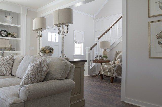 bílý obývací pokoj.jpg