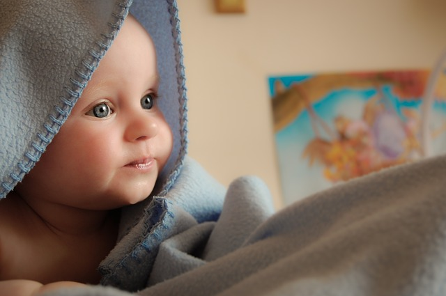 miminko pod dekou